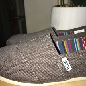 Toms brand new women's size 8.5